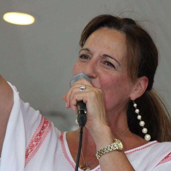 Debbie Major singing